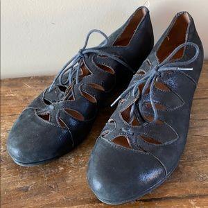 Kenneth Cole Gentle Souls Black Tie Shoes Sz 6